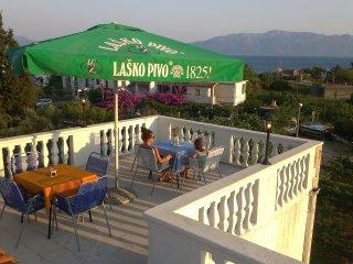 Sunny Island Apartment (10+2), Sucuraj