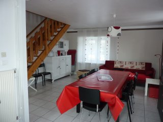 BEL APPARTEMENT 110 m2  Deco soignee - A 5 km station de ski SUPER BESSE