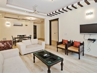 NEW 3 BEDROOMS MODERN SERVICED FLAT SOUTH DELHI