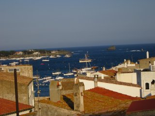 Central vintage apartment, 6 persons, Cadaques