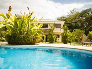 Villa Bella, the Charming Poolside Vacation Home, Quepos