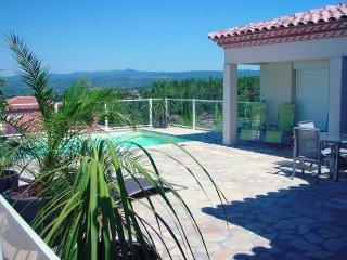 Lefilondor, luxe vakantievilla met zwembad, Oupia