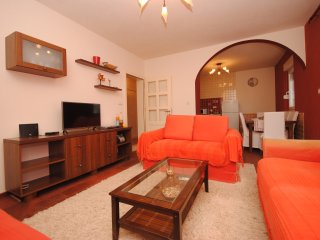 Spacious apartment with 3 bedrooms and 2 bathrooms