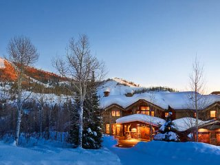 Ski in/Ski out Luxury Home ----, Steamboat Springs