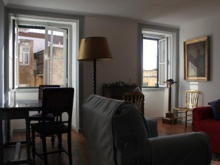 Chris´s 3 Bedroom duplex Alfama apartment