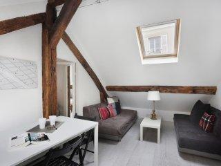 Appartement lumineux et mansardé Rochechouart PA