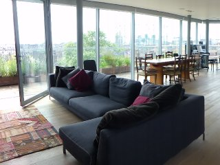 Penthouse with huge terrace and spectacular views, Londres