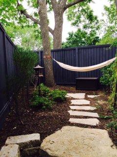 In the Zen garden, this organic cotton hammock awaits you!