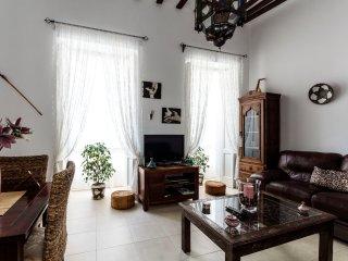 Excelente Apartamento Siglo  XVIII Playa a 5`
