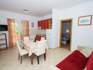 Apartments and Rooms Skalinada - Two Bedroom Apartment with Balcony- 2
