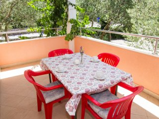 Apartments and Rooms Skalinada - Two Bedroom Apartment with Balcony- 1