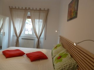 SteSi APARTMENT NEAR CENTER TRASTEVERE 10 MINUTES!