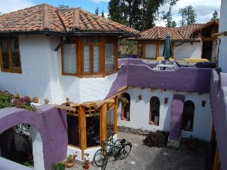 CASA OLIVIA. LOVELY HOUSE FOR SHORT/LONG RENTAL. TUMBACO - QUITO.