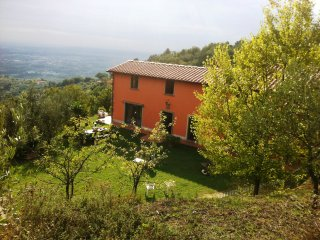 Holiday House stunning view on countryside Toscana, Serravalle Pistoiese