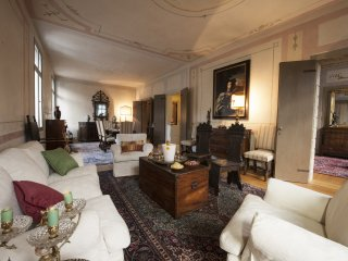 Luxury apartment in Asolo's central square
