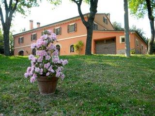 Casa Vacanza La Meridiana tra iil mare e colle, Serrungarina