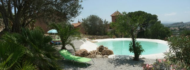 The amazing pool and the 3 bodies of Villa PaladinoSolunto(main villa,2room suites and 3room suites)