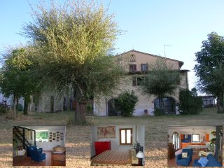 House with garden in the countryside near Florence, Montespertoli