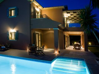 Contemporary Secluded Villa with Swimming Pool, Svoronata