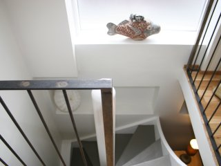 V27-Stairway