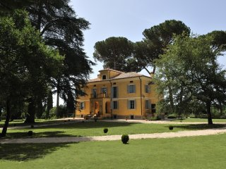 Tuscan Villa with pool a short drive from Rome, Capranica