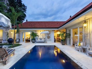 Colonial Villa in Amazing Location, Seminyak