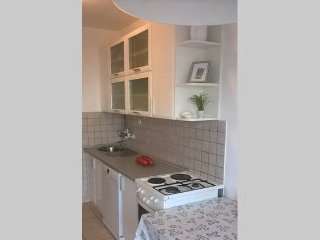 Sunny apartment-near the center and beaches, Split