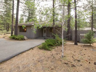 6 Little Court, Sunriver