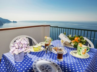 Amalfi Coast Casa Asciola, 2 bedrooms, sea view, private terrace, wi-fi,sleeps 4