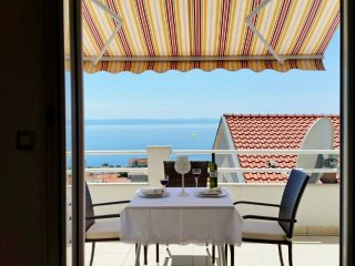NEW!Studio apt with stunning view!Avbl high season, Makarska