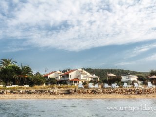VILLA BANU  AT THE SEASIDE IN ILDIR - CESME