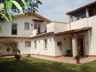 4 bedroom Villa in Pineto, Abruzzo, Italy : ref 5477336