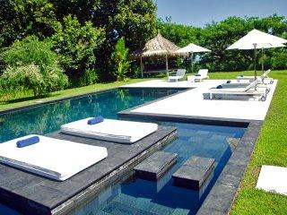 Villa L Lombok |Luxury 5 bdrm|Sea view