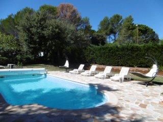 Appartement dans villa ,piscine privée,salle sport