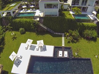 Villa L Lombok |Luxury 5 bdrm|Sea view, Senggigi