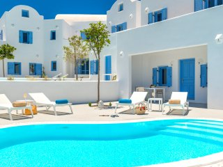 Ivory Suite, Fira
