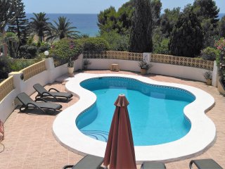 Villa El Ruisenor Basetes with Private Pool,