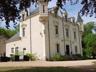 Chateau La Perriere - Sleeps 6 - As featured in Women and Home Feb 2017, Chinon