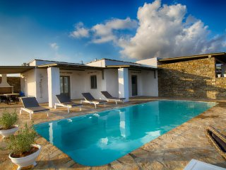Paros Luxury Villas, Aliki