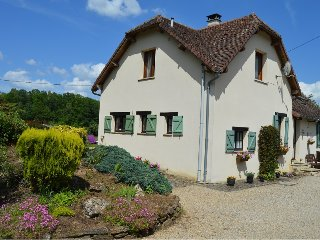 Peaceful Cottage in Dordogne with private pool, Glandon