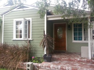 2bedroom 1/bath Cottage Yard super Charming, Santa Monica