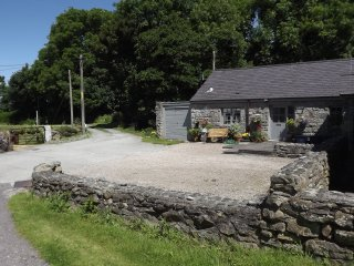 Barn Conversion close to the sea, mountains and wo, Trefor