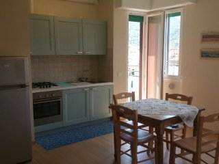 Nuovo appartamento centrale vicino alla spiaggia, Levanto