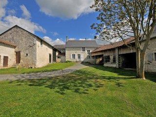 Gite  Guimape 3 etoiles.   Chinon, Visite chateaux,route des vins ,et campagne.