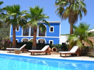 Authentic ibiza villa, 10 minutes to the beach, Ibiza Ciudad