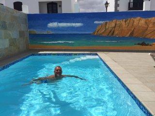 ROMANTICO Y PEQUEÑO APTO CON PISCINA, Punta Mujeres