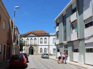 Aveiro Holiday Apartment Quiet and central
