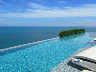 Stunning pool, private beach, tranquil Pattaya