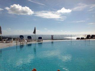 Affittasi appartamento con piscina t03