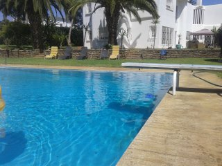Villa on 2300 SQRM with large pool, Rabat